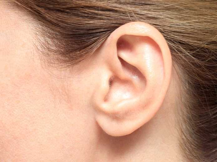 symptoms of an inflamed eardrum