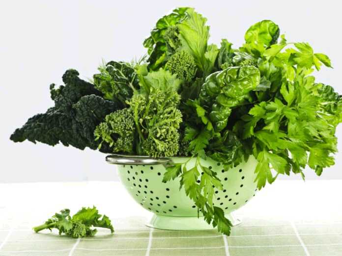 leafy greens for healthy hearing