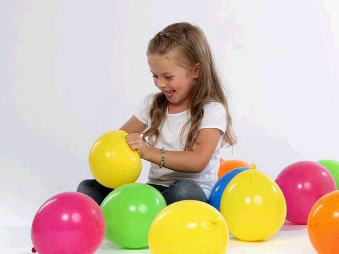 Popping balloons causes hearing loss
